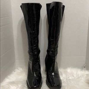 Donald j Pliner boots size 10 wedge